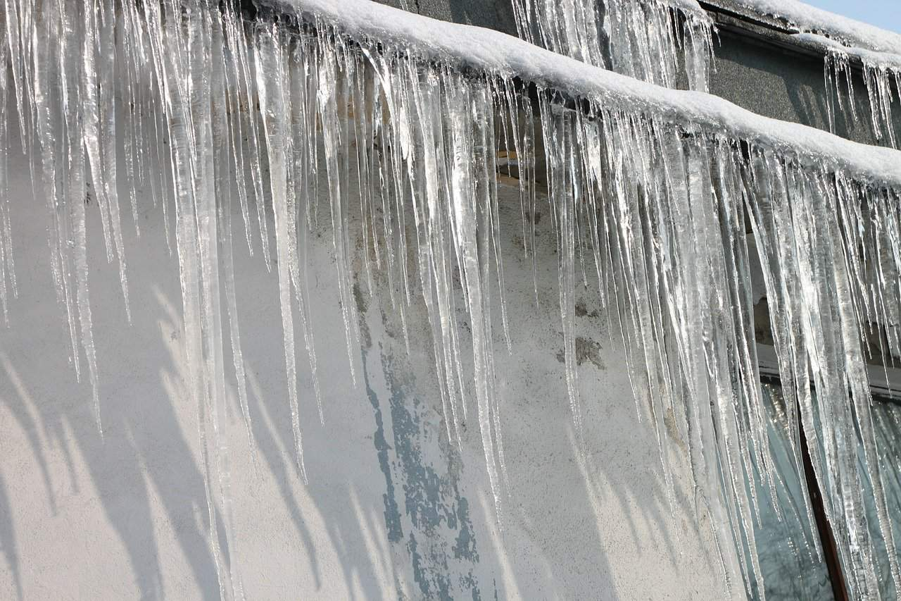 ice dam repairs in chicago