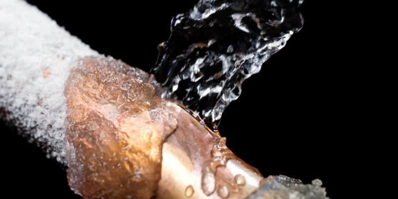 frozen pipe burst in chicago